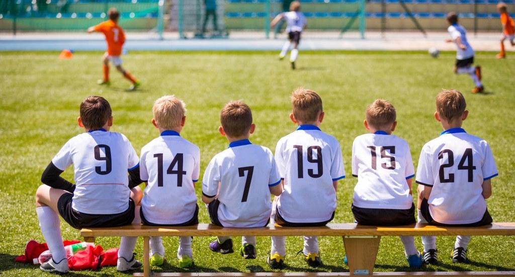 Fichar un EXTRANJERO MENOR en el fútbol base. Excepciones que posibilitan el traspaso.
